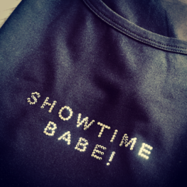 T-Shirt Black - SHOWTIME BABE!