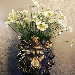 Lion Vase Gold